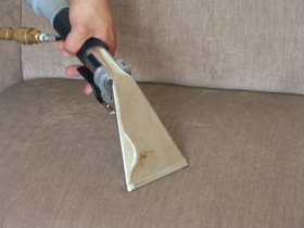 Upholstery cleaning East India E14